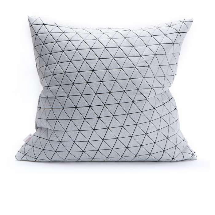 Ilay pillow - B&W