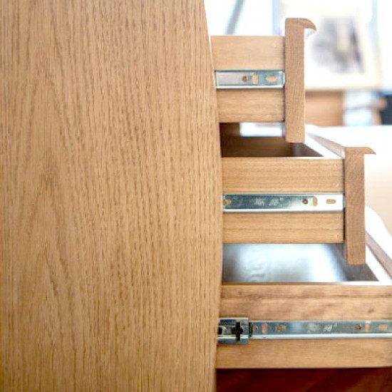 HANDLE Dressing Table