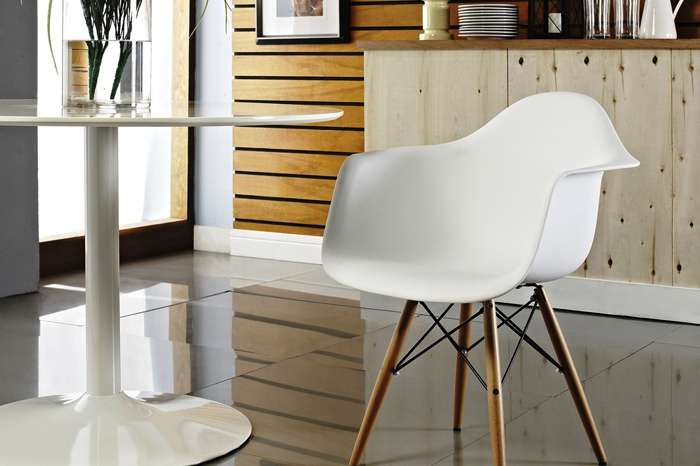Beau Eames  DAW Chair Display III